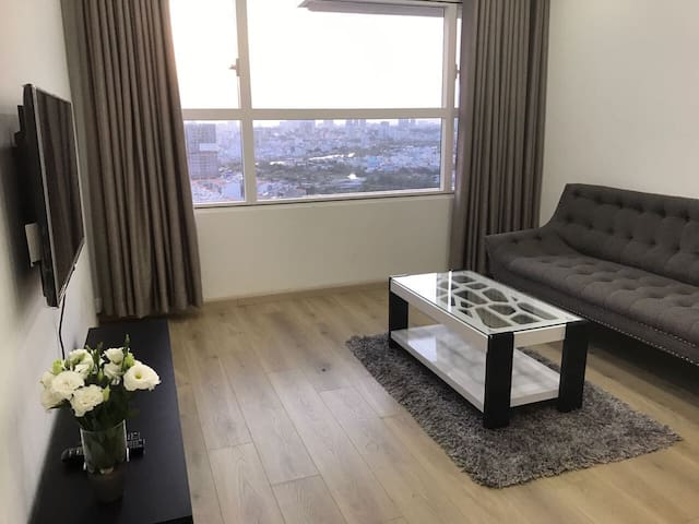 Modern apartment with gorgeous pool, 10 mins to D1 - Ho Chi Minh City - Appartement