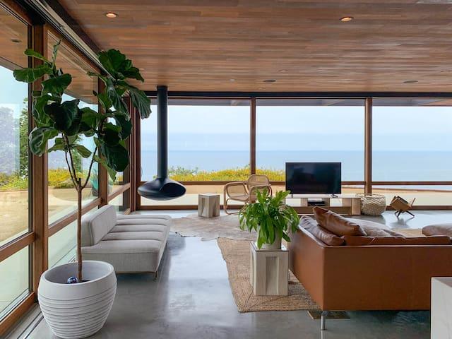 Panoramic Ocean Views, Designer MCM House + Studio
