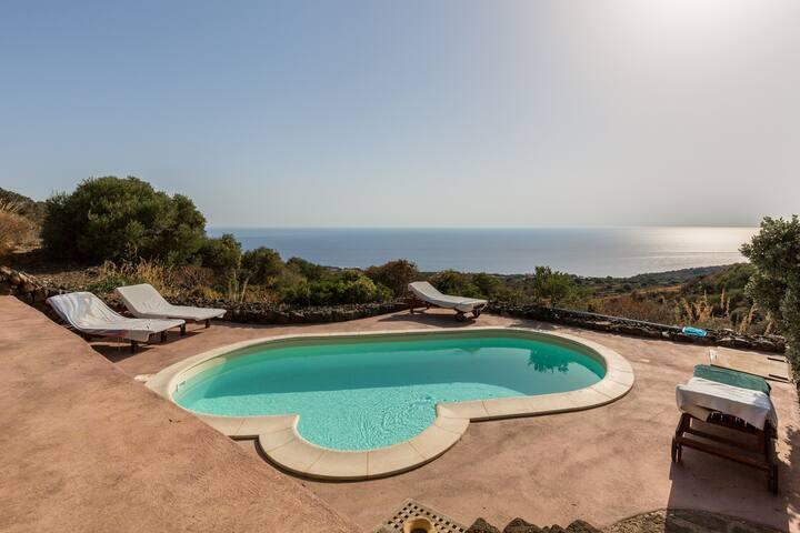 La vela resort for 4 persons