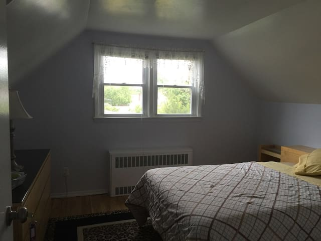 Cozy, quiet and neat room for you! - New Hyde Park - Hus
