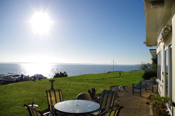 Solent Shores panoramic sea views - Warsash
