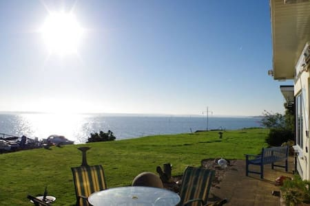 Solent Shores panoramic sea views - Bungalow