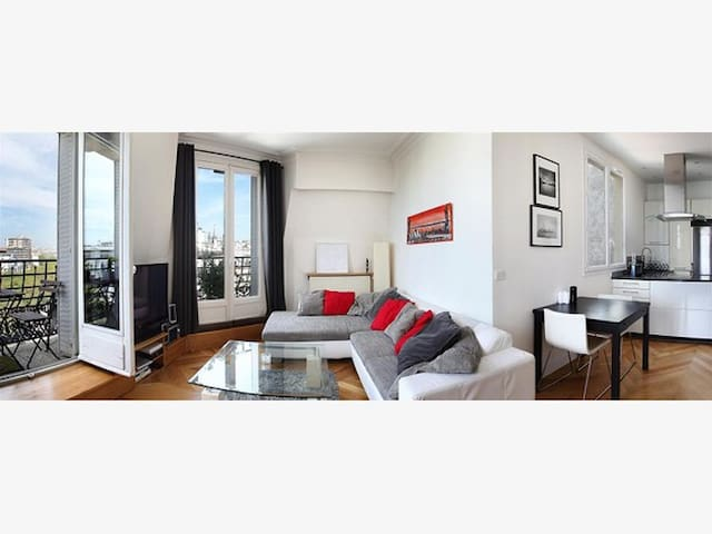 Beautiful luminous 2-room apartment with nice view