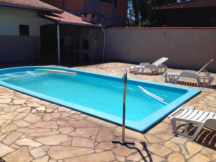 Casa com piscina + ar + WiFi Praia de Itapoá SC
