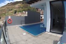 Hillside Villa, heated pool, fab views & parking