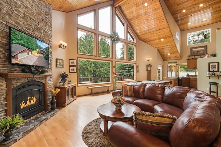 Majestic Sequim Vacation Home near Sequim Bay