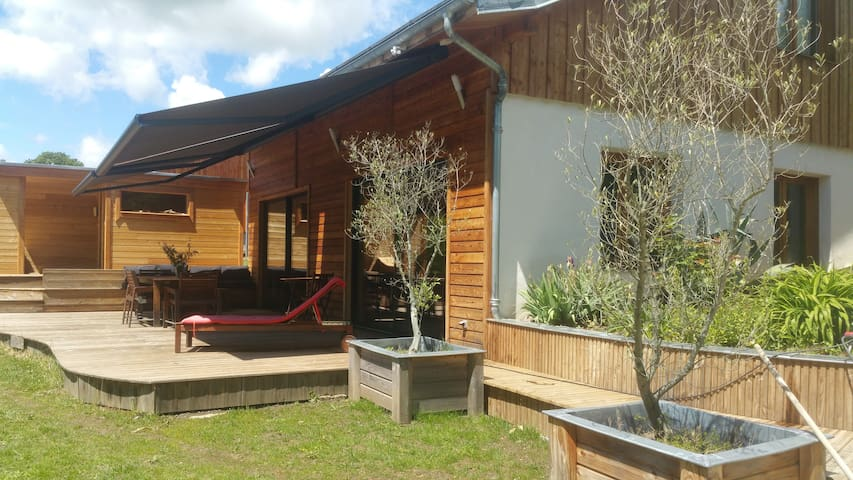 Maison bois spacieuse et lumineuse
