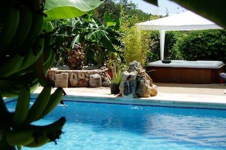 Villa con piscina en Ibiza ideal para relax - Sant Carles de Peralta