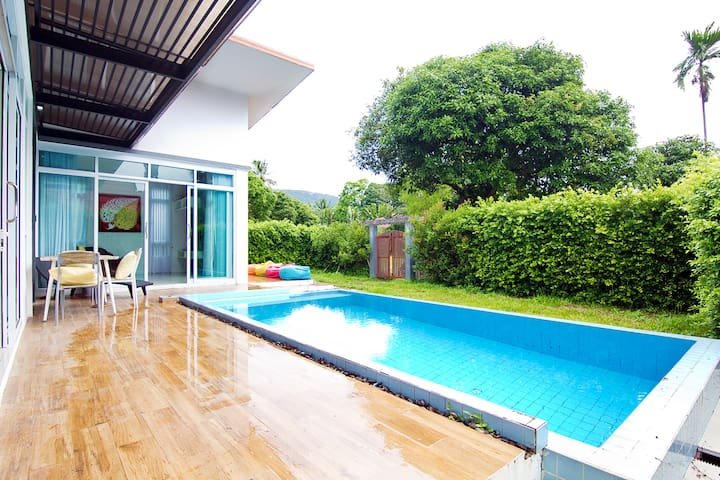Villa Artemida beach side with private pool 2 bdr