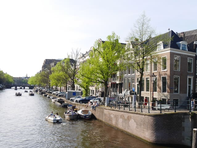Gorgeous suite apartment in historical canal house