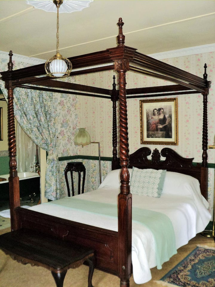 A Pilgrim's Rest Guesthouse Family Room