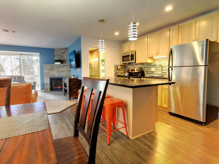 Fully equipped kitchen with new appliances, Keurig and more.