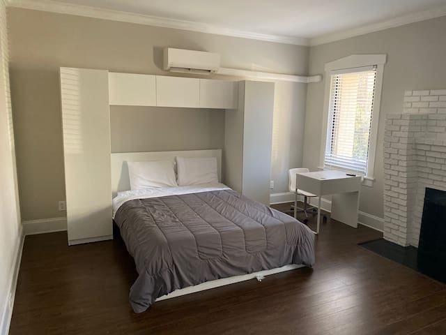 Walk to Emory! Safe and Private Apartment! Parking