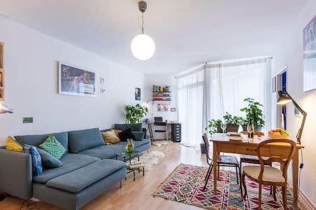 Sunny & Central 1Room Apt in the middle of Xberg
