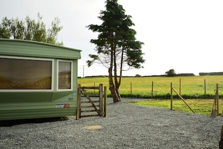 Snowdonia Static Caravan (on a rural working farm)