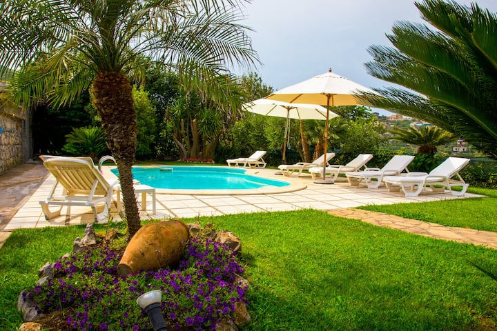 Charming 3 bedroom villa with pool