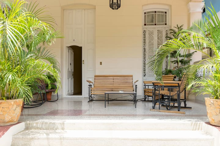 Villa Nieves Deluxe 1910.Havana.