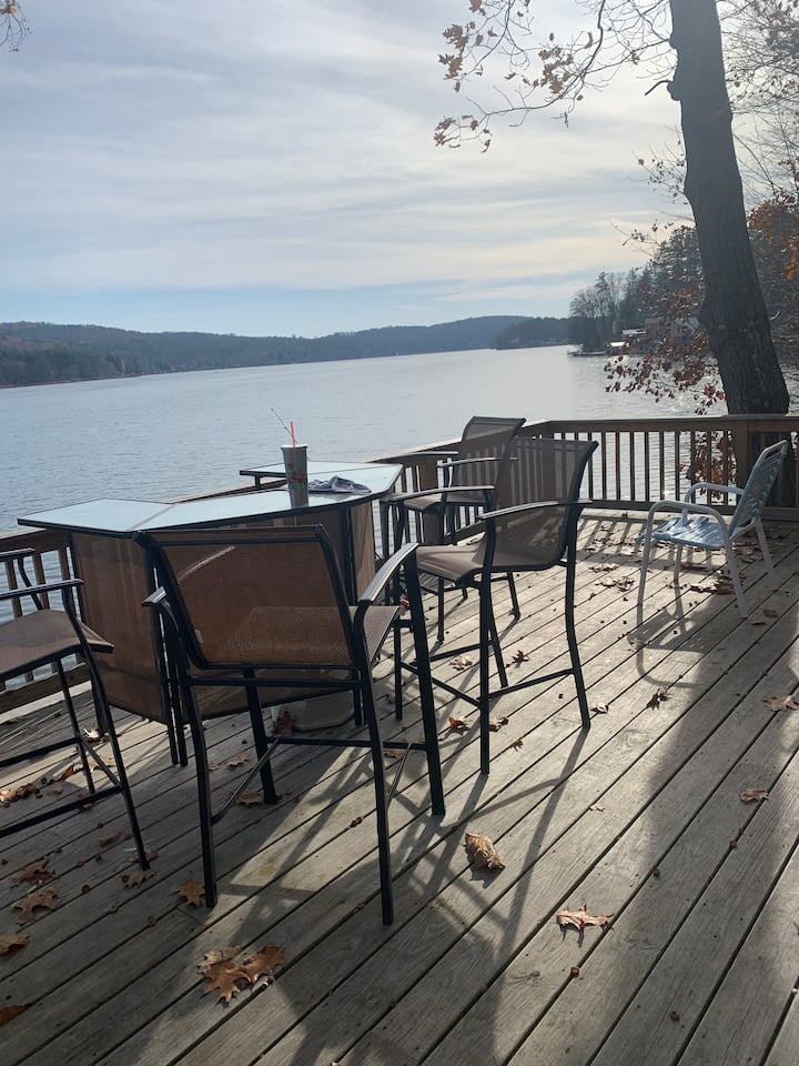 Beautiful Lake Front Home on Cossayuna Lake