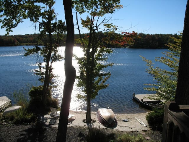 Fantastic Fun on the Lake in the Poconos - Tobyhanna - House