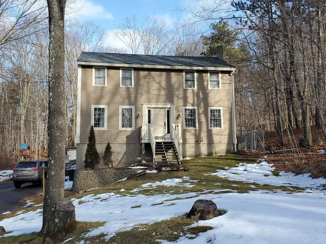 Belmont Home with quick access to the Lakes Region