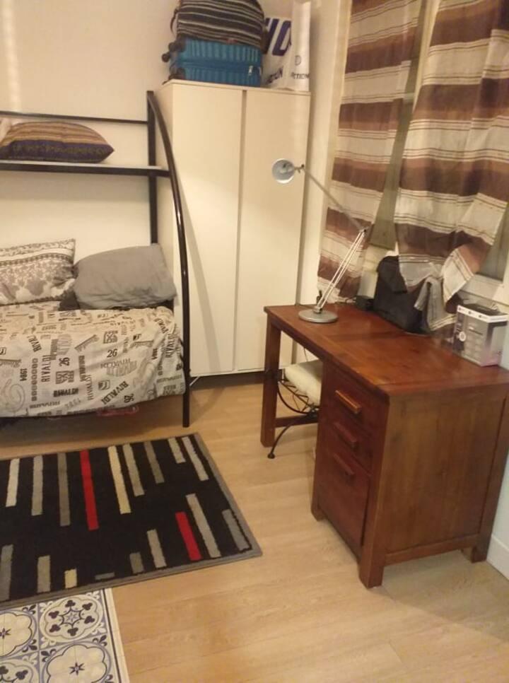 Appartement à 20 min de Paris pour femmes