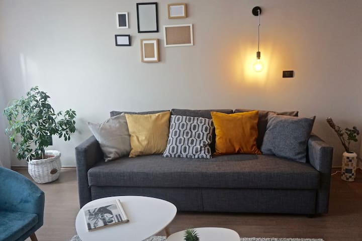 Spacious 2 BR flat, 2min to NDK, 24h SELF CHECK-IN