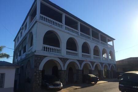 Hôtel de la Mer Chambre Double Vue Mer (ch20) - Hell-Ville - Townhouse