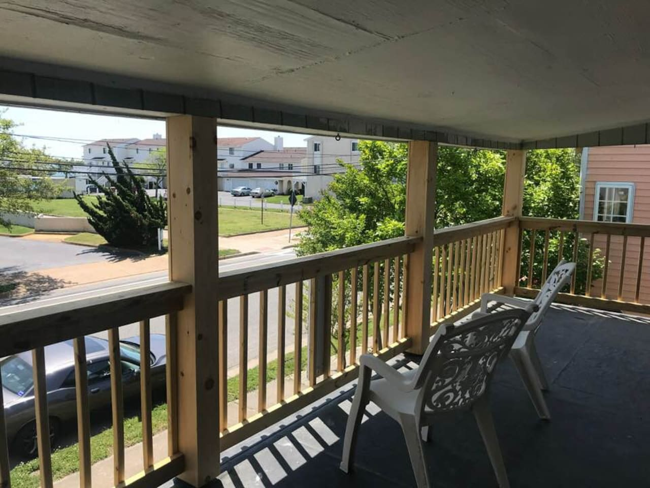 Private balcony with view and smell of the ocean! Great for relaxing and enjoying the day or to cozy up with a great book!