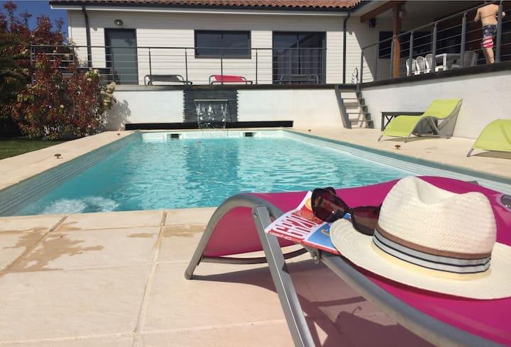 Villa d'exception de 300m2 avec jacuzzi et piscine