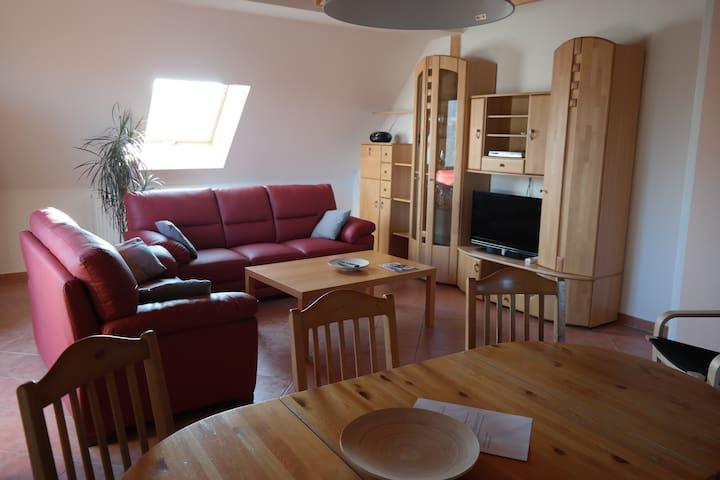 Wohnung am Land Nähe Nürnberg - Roßtal - Apartament