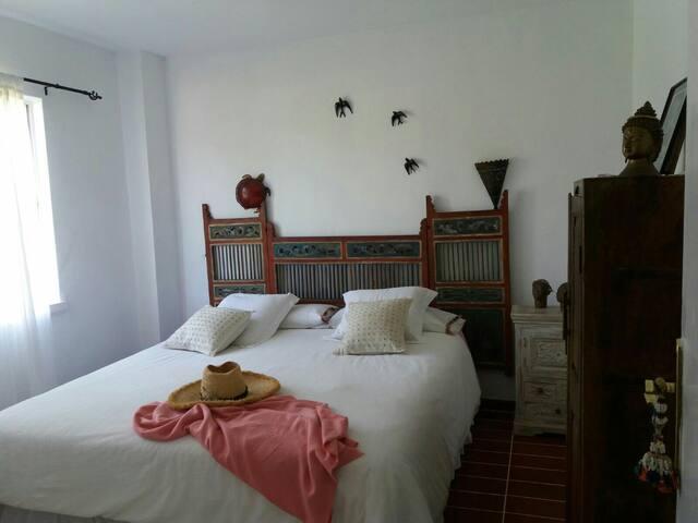 habitacion doble en piso compartido