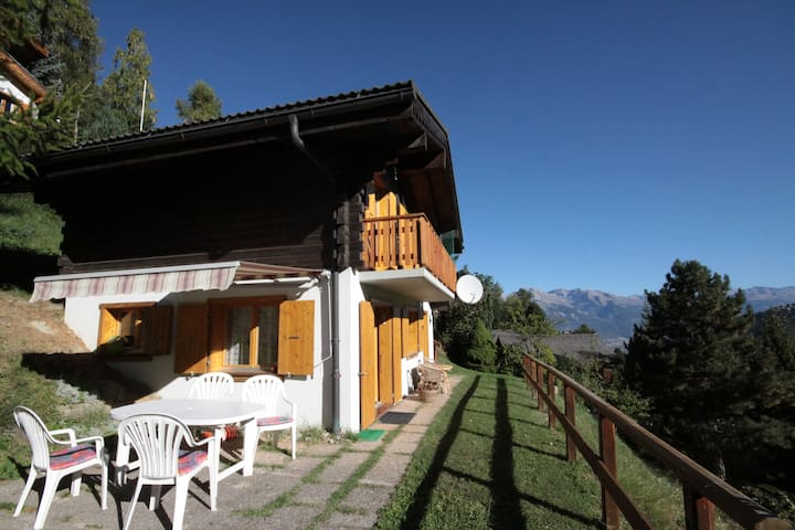 Holiday Chalet, 5-6 people, 90m2. Quiet.