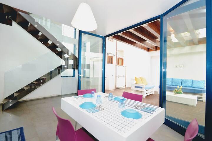 AL079 - Chic apartment near the beach