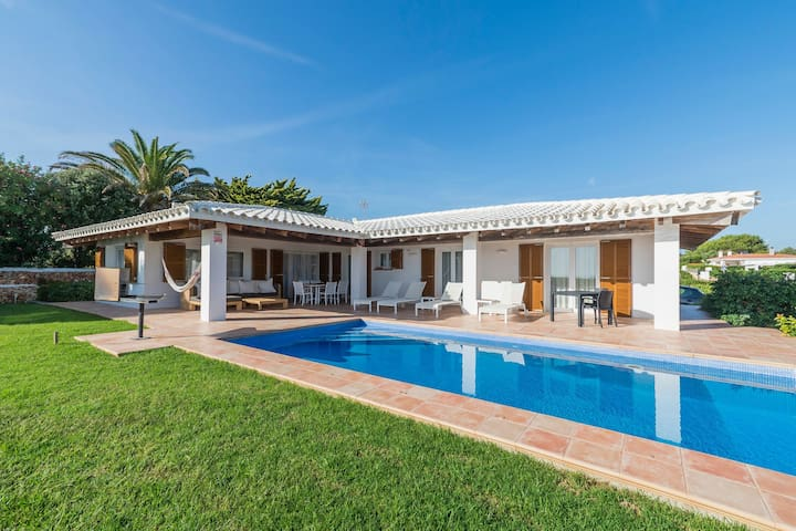 Coastal Location with Pool - Casa Somni