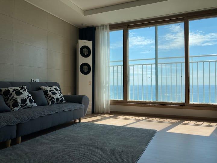 (주중연박할인)아파트전체,침실2개(28평),봉포바다 파노라마!❤️  쾌적한 B&B