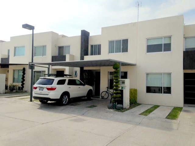 Tu Casa in Cholula - Just add you and yours - De Santiago Mixquitla - บ้าน