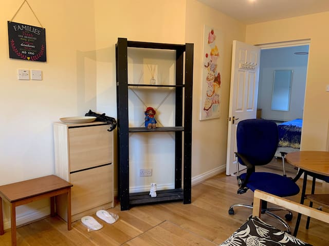 COSY FLAT IN A QUIET AREA, 10 MINUTES FROM CENTRE