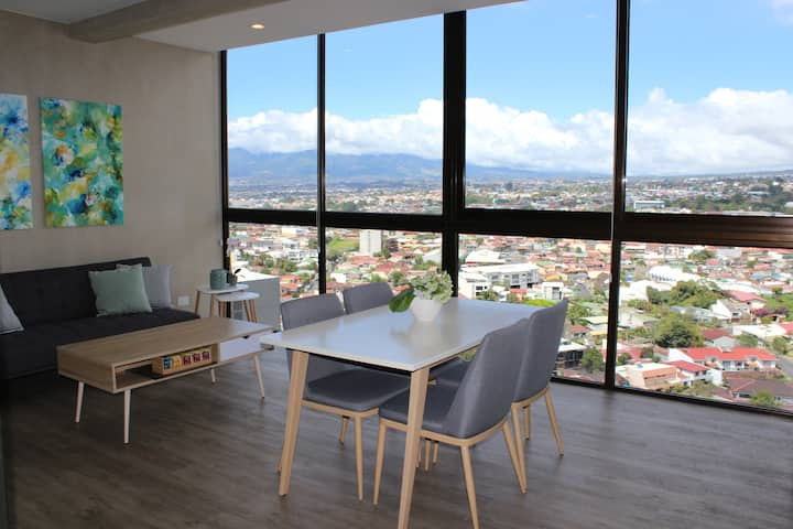 Spectacular View! Modern 21st Floor Apartment