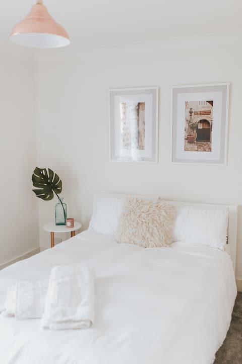 Double bedroom near Ebbsfleet Intl
