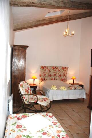 Chambre triple confort - Rousson - Bed & Breakfast