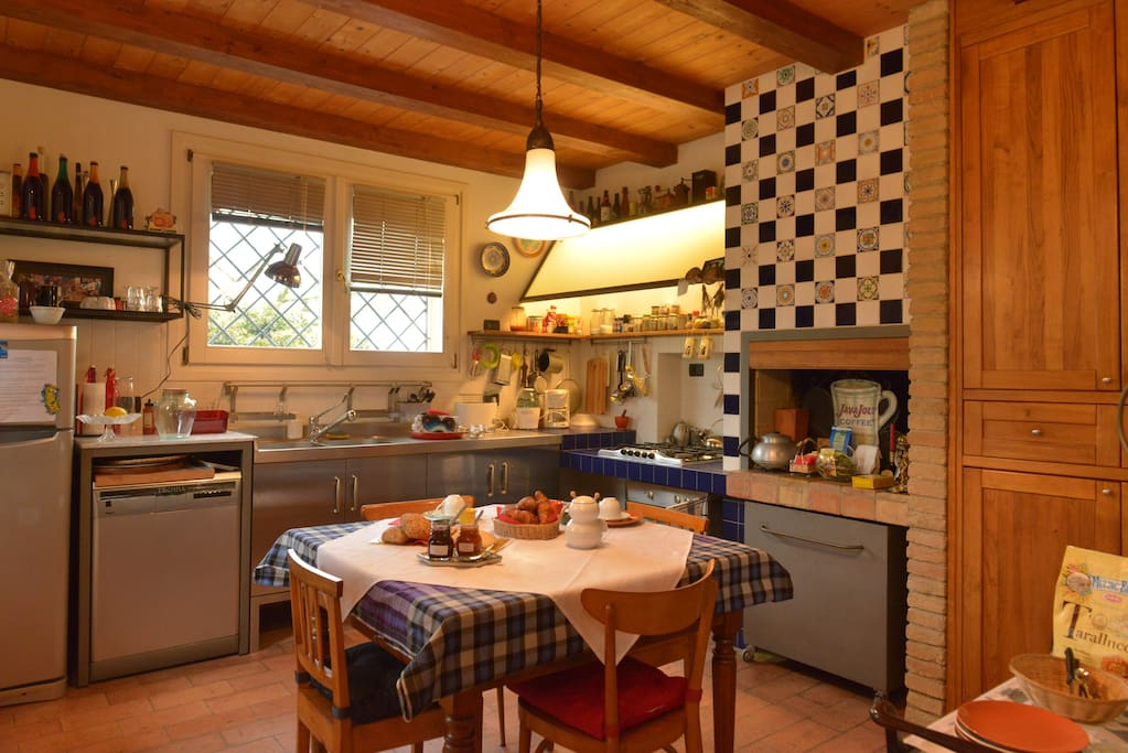 handcrafted kitchen, with Local Fiance ceramic