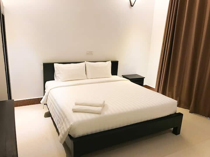 Private Bed Room With Balcony - Free Pick Up