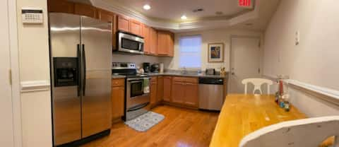 Federal Hill Relaxing Luxurious Apartment