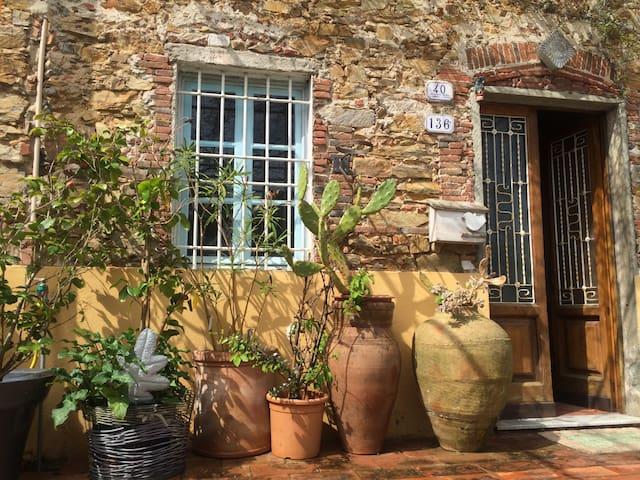 The Stone House - La Casa di Pietra