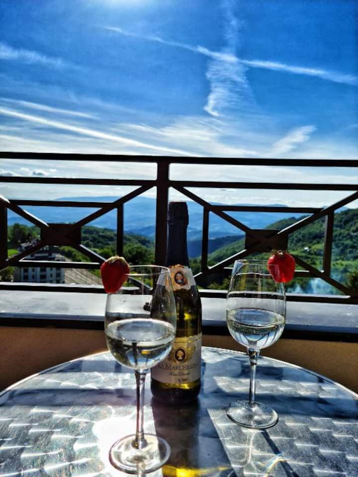 ✭Mountain Majesty✭ in PRINCESS LUX Apartments #p80