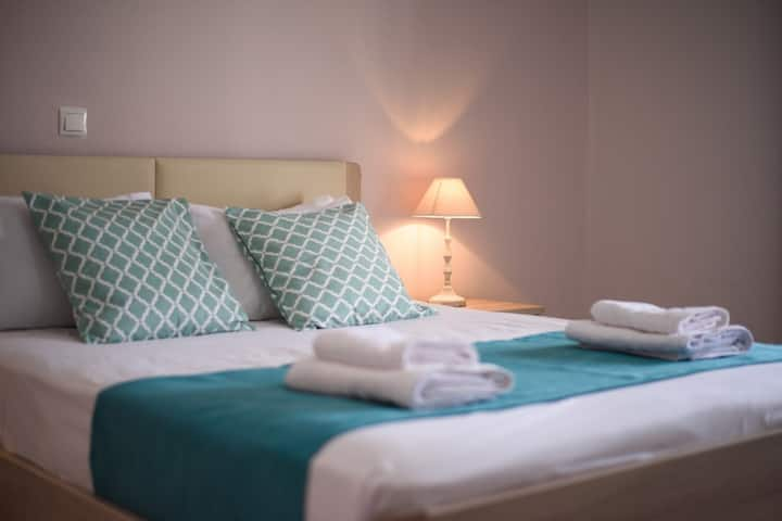 Magnolia Double Room with Sea View 2