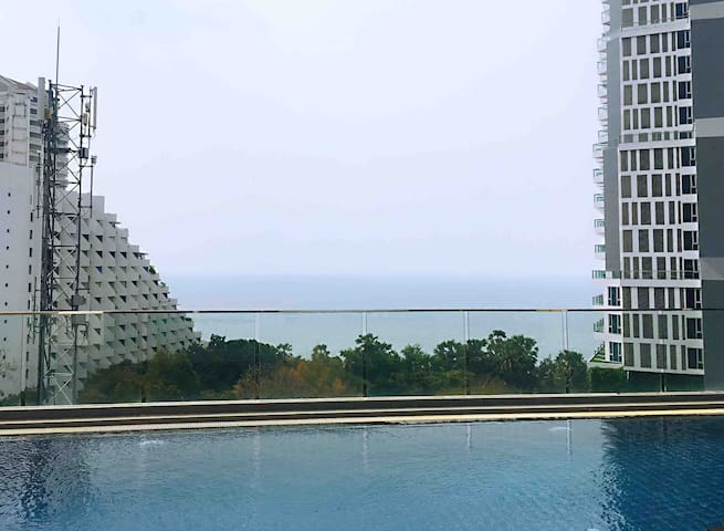 Sea View Beautiful apartment only 2mins to beach