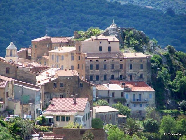 Maison climatisée au coeur du village en Balagne