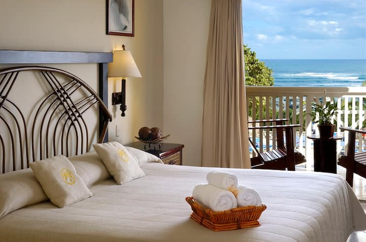 Junior Suite at Lifestyle Resort V.I.P.