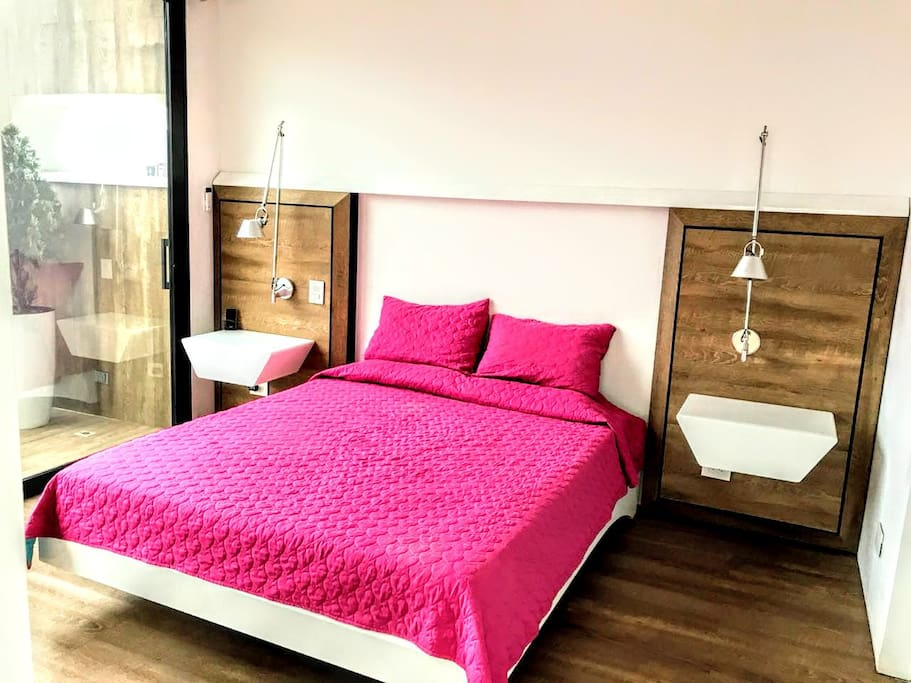 Master bed with balcony